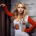 Hayden Panettiere, a cheerleader Claire de Heroes, deixa calcinha à mostra