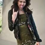 Miley Cyrus, a Hannah Montana, faz ensaio sensual. Veja vídeo com fotos