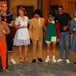 SBT homenageia Chaves e refaz episódio com novo elenco. Veja fotos e vídeos
