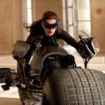 Batman: O Cavaleiro das Trevas Ressurge – trailer dublado e primeiras imagens de Anne Hathaway como a Mulher-Gato