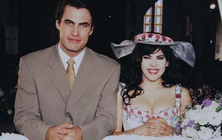 História e fotos do elenco de Marisol, novela do SBT