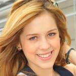 Fotos e vídeo de Sophia Abrahão, a Alice de Rebelde