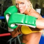 Vídeos e fotos de Duda Yankovich, a lutadora de A Fazenda 4