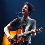 Chris Cornell lança novo CD acústico em novembro