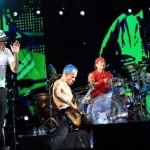 Red Hot Chili Peppers faz três shows no Brasil em novembro